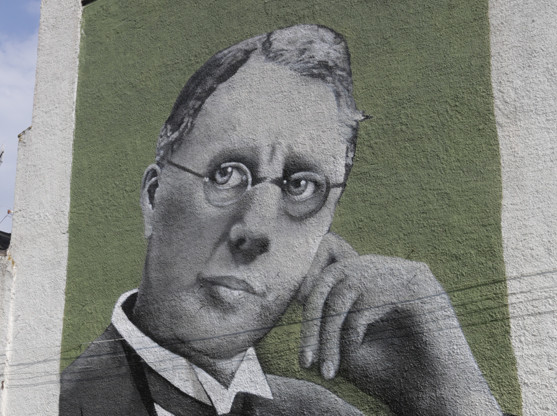 Harry Brearley mural, Howard Street